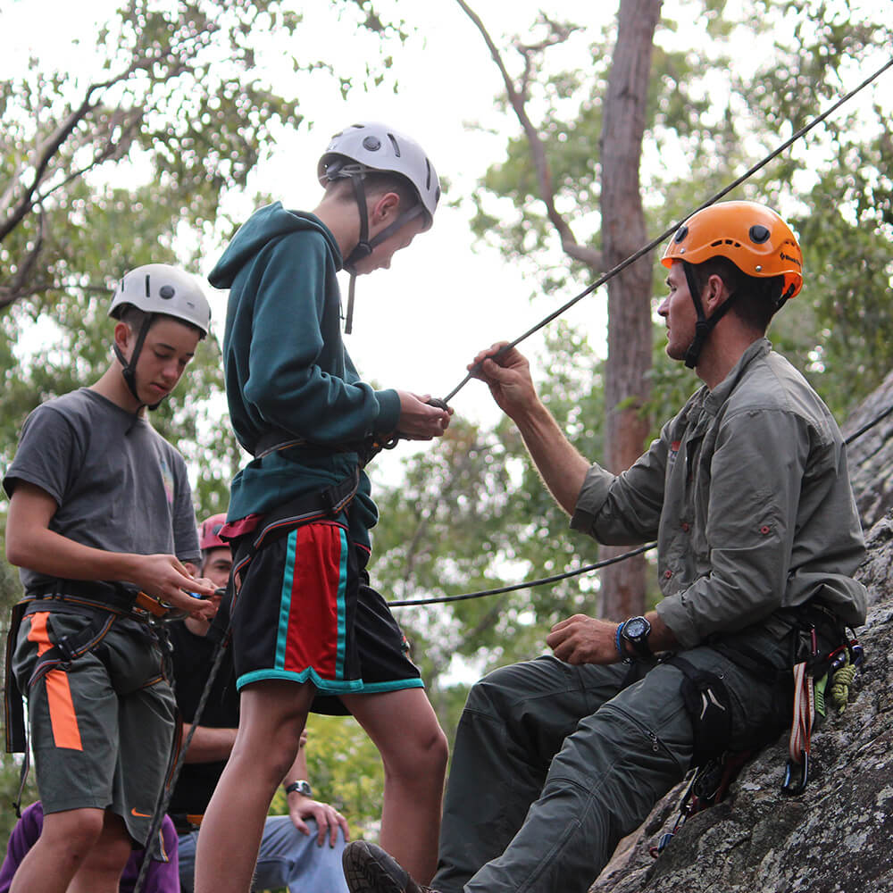 begginers-rock-climbing-mt-barney